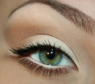 How to Make Your Eyes Look Bigger – Makeup Tips | HappifyBlog